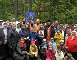 Состоялся традиционный крестный ход на Новогрудскую голгофу