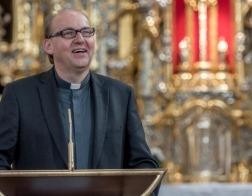 Новый епископ Инсбрука не исключает, что в будущем в Католической Церкви женщины могут становиться священниками