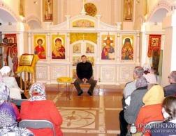 В гродненском больничном храме святителя Луки состоялась лекция доктора философских наук Олега Романова