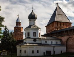 Праздник Покрова отметили в возрожденном новгородском храме, где раньше был ресторан