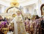 Предстоятель Русской Церкви совершил великое освящение Успенского кафедрального собора в Ташкенте