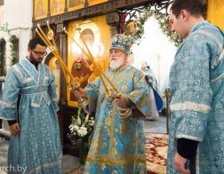 В день памяти явления иконы Божией Матери «Всех скорбящих Радость» митрополит Павел совершил Литургию в Радосте-Скорбященском приходе города Минска