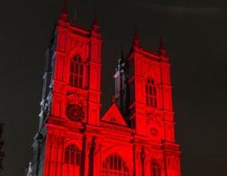 В Великобритании десятки церквей и школ будут подсвечены красным, чтобы напомнить о современных мучениках-христианах