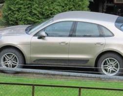 В Польше католический священник, раскритикованный прихожанами за дорогой автомобиль, решил продать его