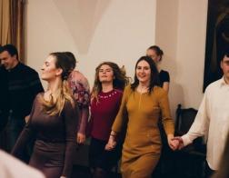 В Минске прошел молодежный вечер «Радость великую возвещаю вам»