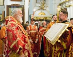 В канун Недели 28-й по Пятидесятнице митрополит Павел совершил всенощное бдение в Свято-Духовом кафедральном соборе города Минска
