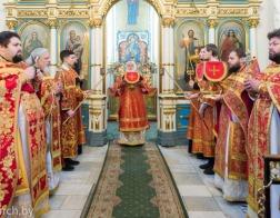 В Неделю 28-ю по Пятидесятнице Патриарший Экзарх совершил Литургию в Свято-Духовом кафедральном соборе города Минска