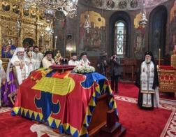 Патриарх Румынский Даниил возглавил церемонию похорон бывшего короля Румынии Михая
