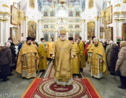 В день памяти святителя Спиридона Тримифунтского Патриарший Экзарх совершил Литургию в Свято-Духовом кафедральном соборе города Минска