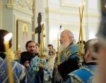 В канун праздника Введения во храм Пресвятой Богородицы Святейший Патриарх Кирилл совершил утреню всенощного бдения в домовом храме Московского епархиального дома