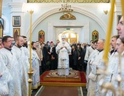 В навечерие Рождества Христова митрополит Павел совершил Литургию и великую вечерню в Свято-Духовом кафедральном соборе города Минска