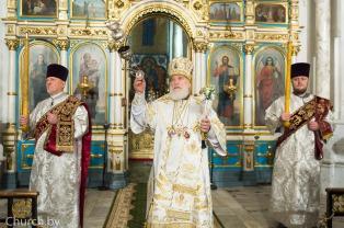 В канун праздника Рождества Христова митрополит Павел совершил всенощное бдение в Свято-Духовом кафедральном соборе города Минска