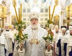 В канун праздника Собора Пресвятой Богородицы митрополит Павел совершил великую вечерню в Свято-Духовом кафедральном соборе города Минска