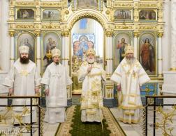 Патриарший Экзарх совершил великую вечерню в Свято-Духовом кафедральном соборе города Минска