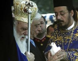 В праздник Богоявления Архиепископ Афинский и всей Греции Иероним возглавил освящение вод в порту Пирея