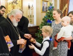 Патриарший Экзарх поздравил сотрудников Минской Экзархии и Минского епархиального управления с Рождеством Христовым
