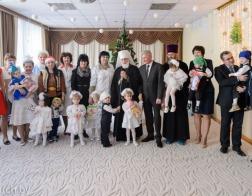 Патриарший Экзарх и Министр здравоохранения посетили с благотворительной миссией Дом ребенка № 1