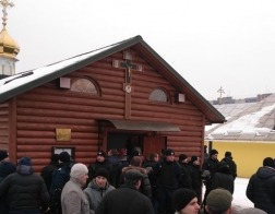 Националисты пикетировали храм УПЦ во Львове