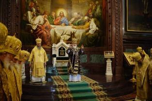 В девятую годовщину интронизации Святейшего Патриарха Кирилла митрополит Павел принял участие в торжественном Патриаршем богослужении в Храме Христа Спасителя