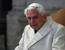 Бенедикт XVI еще может преподнести «сюрпризы», считает кардинал Марк Уэлле