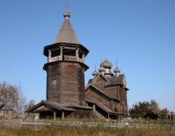 В Ленобласти восстановили последний пятиглавый храм-памятник деревянного зодчества