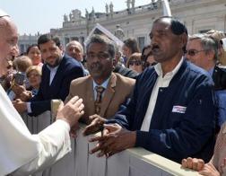 Папа Франциск принял родственников Асии Биби и нигерийскую девушку, которая два года была в плену у исламистов из «Боко Харам»