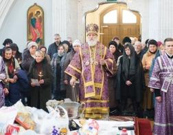 В субботу второй седмицы Великого поста митрополит Павел совершил Литургию в Свято-Духовом кафедральном соборе города Минска