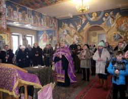 В храме Рождества Пресвятой Богородицы в Тарасово помолились о упокоении правоохранителей, погибших при исполнении служебного долга