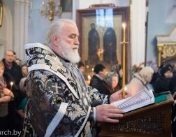 Патриарший Экзарх совершил Пассию в Свято-Духовом кафедральном соборе города Минска
