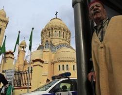 В Алжире продолжают закрывать церкви