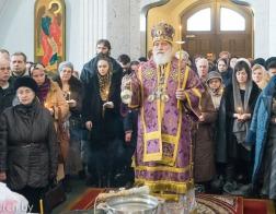 В субботу четвертой седмицы Великого поста митрополит Павел совершил Литургию в Свято-Духовом кафедральном соборе города Минска