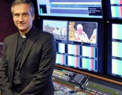 Папа Франциск принял отставку Дарио Эдуардо Вигано с поста префекта Секретариата по вопросам коммуникации