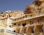 Делегация из России посетила восстанавливаемый в сирийском городе Маалюля древний монастырь
