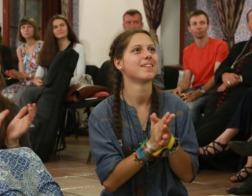 Молодые католики призвали церковь нести Слово Божие в бары, кафе, парки и на стадионы