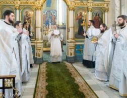 В Лазареву Субботу митрополит Павел совершил Литургию в Свято-Духовом кафедральном соборе города Минска