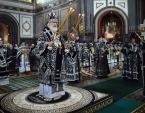 В среду Страстной седмицы Предстоятель Русской Церкви совершил Литургию в Храме Христа Спасителя в Москве