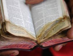Куба отказалась принять груз из 17 тысяч Библий «нового международного издания», прибывших из США