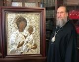 Президент Казахстана к празднику Пасхи подарил православным верующим республики Тихвинскую икону Божией Матери