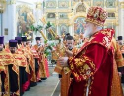 Патриарший Экзарх совершил Пасхальную великую вечерню в Свято-Духовом кафедральном соборе города Минска
