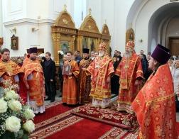 В пятницу Светлой седмицы Патриарший Экзарх возглавил Литургию в Спасо-Евфросиниевском ставропигиальном женском монастыре города Полоцка