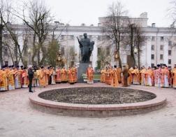 Большой крестный ход к памятнику святителю Кириллу Туровскому прошел в Гомеле