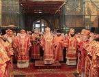 В Неделю жен-мироносиц Патриарший наместник Московской епархии совершил Литургию в Успенском соборе Московского Кремля