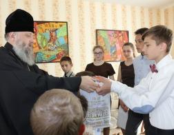 Архиепископ Брестский Иоанн поздравил с Пасхой Христовой воспитанников детских домов семейного типа