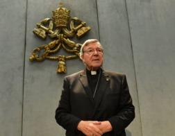 Кардинал Джордж Пелл, обвиняемый в сексуальных домогательствах, предстанет перед судом присяжных в Австралии