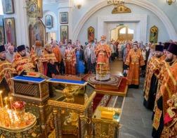 В канун Недели о самаряныне митрополит Павел совершил всенощное бдение в Свято-Духовом кафедральном соборе города Минска