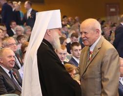 Митрополит Павел принял участие в торжественном собрании по случаю Дня Победы