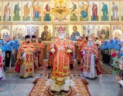 В Неделю о слепом митрополит Павел совершил Литургию в Покровском храме города Минска