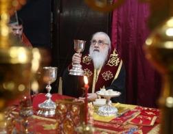 В Неделю о слепом митрополит Филарет молился за Литургией в Гродненском Рождество-Богородичном монастыре