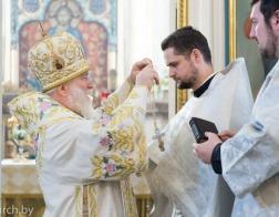В день памяти апостола Иоанна Богослова митрополит Павел совершил Литургию в Свято-Духовом кафедральном соборе города Минска