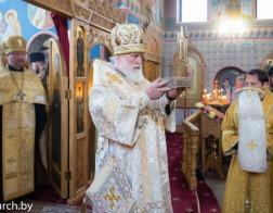 В канун дня памяти святителя Николая Чудотворца Патриарший Экзарх совершил всенощное бдение в Никольском храме поселка Привольный